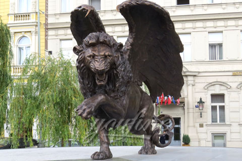 Winged lion statue Outdoor Decor