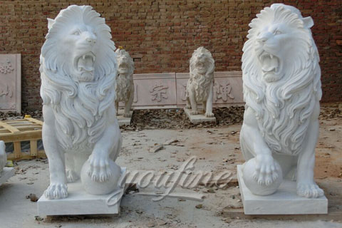 Outdoor white marble roaring lion statues with ball for lawn ornaments